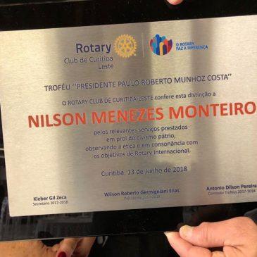 Rotary homenageia acadêmico