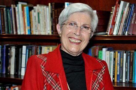 Projeto homenageia Adélia Woellner e outros educadores