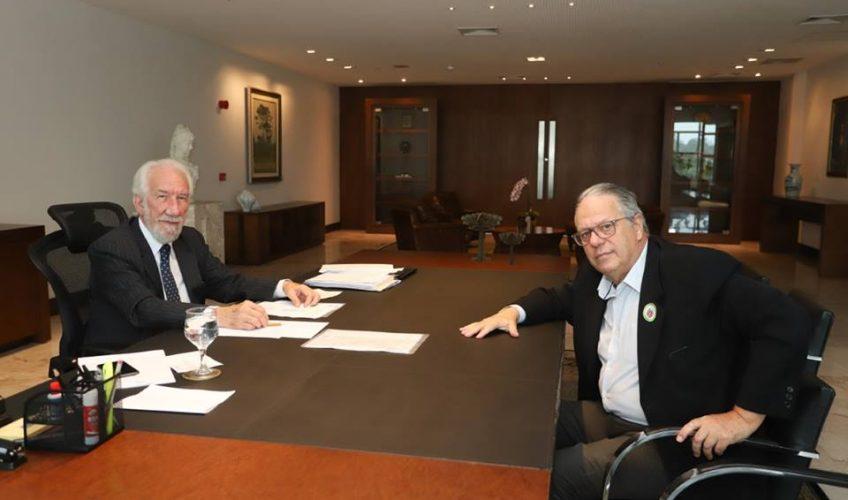 Governador em exercício recebe presidente da APL