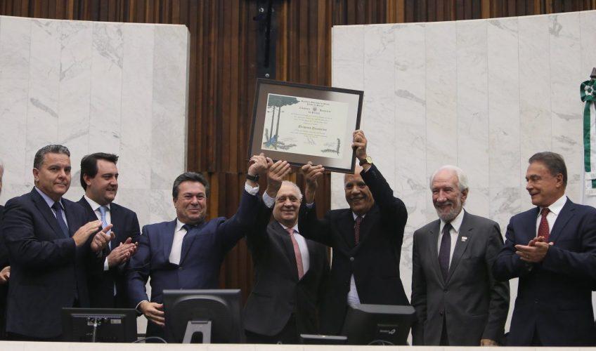 Oriovisto Guimarães é cidadão paranaense