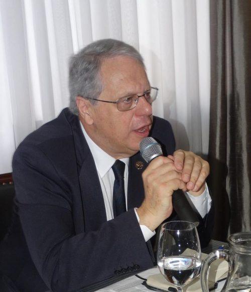 Presidente da APL marca presença em evento na Academia Catarinense