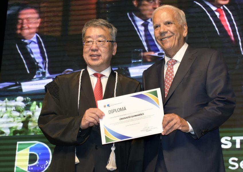 Luiz Taro Oyama e Oriovisto Guimarães.
