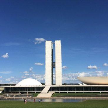 A asfixia da democracia brasileira